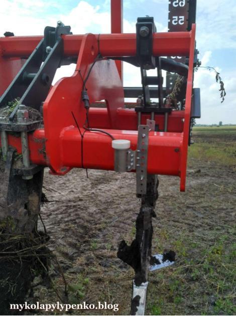 Крадіжка пального на оранці та датчики визначення глибини обробітку ґрунту.